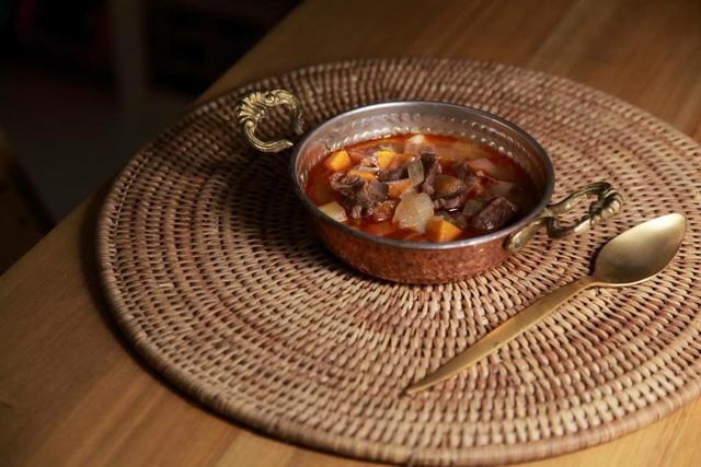 01.jpg - 匈牙利牛肉湯