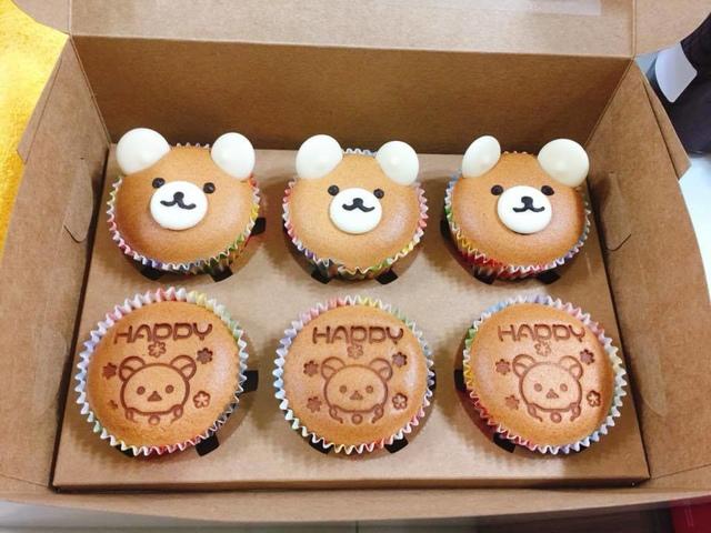 02.jpg - 為了女兒週歲生日第一次做杯子蛋糕