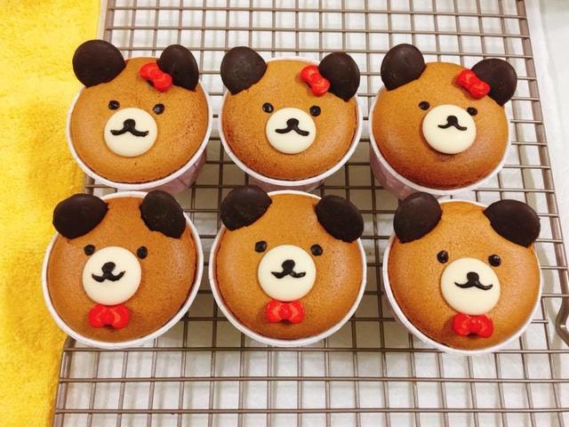 01.jpg - 為了女兒週歲生日第一次做杯子蛋糕