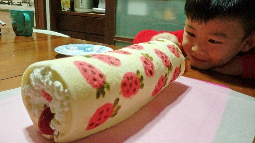 彩繪草莓蛋糕卷:1460966437-3085981110_l.jpg