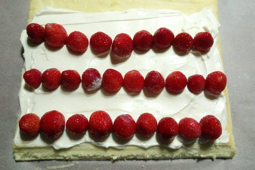 彩繪草莓蛋糕卷:1460966383-4280351167_l.jpg