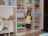 新家裝潢後暨家具入住照片:小女兒房的系統書櫃2.jpg