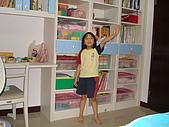 新家裝潢後暨家具入住照片:小女兒房的系統書櫃3.jpg