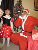 聖誕老公公來送禮囉!!乾女兒的最愛:1354175192.jpg