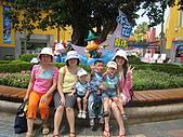 080809月眉探索樂園:大門口前的合照,少了PENNY阿姨