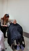 【康詠護理之家】歡迎髮型設計師蒞臨本院義剪:20150114_103755.jpg