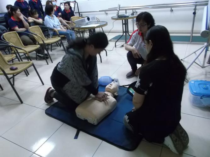 【康詠護理之家】心肺復甦術及AED的使用:DSCF1242.JPG