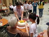 【康詠護理之家】弋果美語志工陪住民歡度慶生會:DSCI1579.jpg