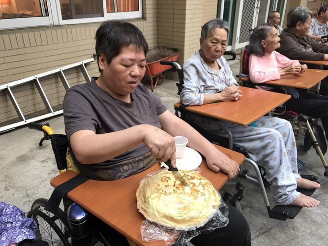 【康詠護理之家】千層蛋糕千層愛:1490973855216.jpg