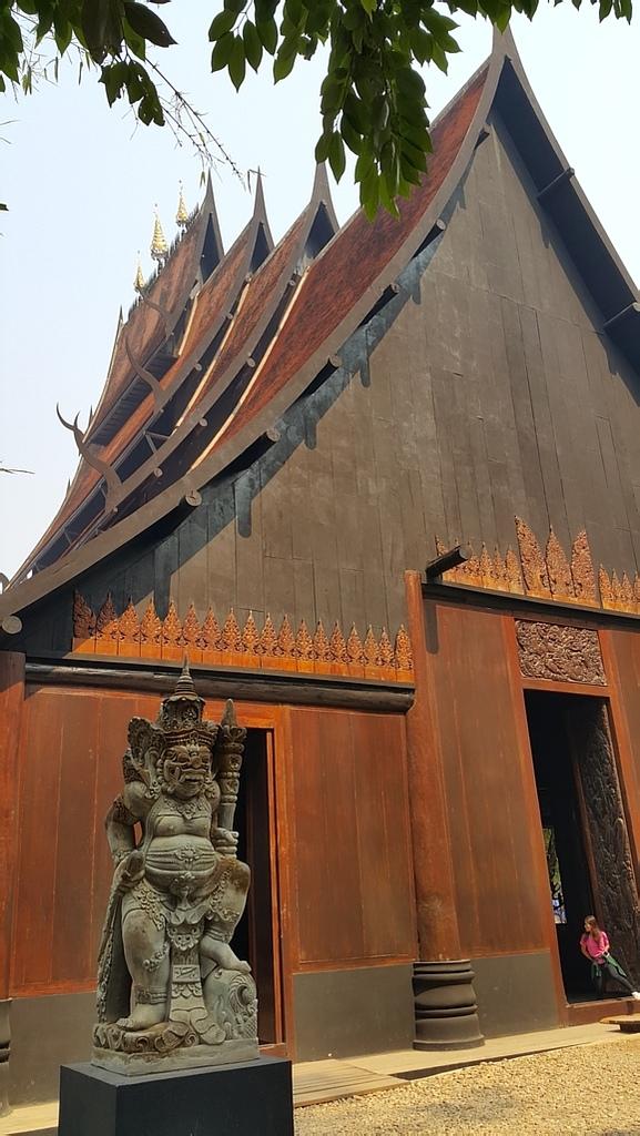 泰國 清萊的黑屋與白廟:20160428_094017.jpg