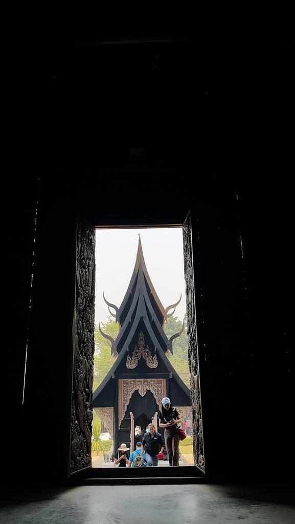 泰國 清萊的黑屋與白廟:20160428_093339.jpg