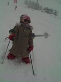 20120125日本苗場滑雪五日:臘腸狗