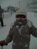 20120125日本苗場滑雪五日:雪花臘腸狗