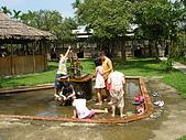 新竹縣南埔地區-麥客田園:玩得不亦樂乎的小朋友們