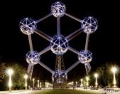 42大奇特建築:2. Atomium - Brussels , Belgium   原子塔 - 比利時, 布魯塞爾.jpg