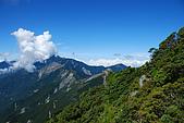 (嘉明湖 Day 2)向陽山屋->向陽山->嘉明湖避難小屋:DSC_7572.JPG