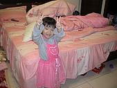 2009-12-06愛穿裙子拍照的妹妹:DSC04830.JPG