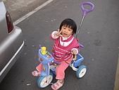 2009-01-28回娘家騎小車車:DSC04004.JPG