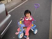 2009-01-28回娘家騎小車車:DSC04007.JPG