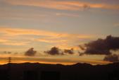屋頂上泛紅彩霞:DSC06233.JPG
