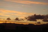 屋頂上泛紅彩霞:DSC06235.JPG