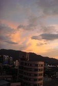 屋頂上泛紅彩霞:DSC06236.JPG