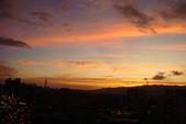 屋頂上泛紅彩霞:DSC06248.JPG