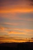 屋頂上泛紅彩霞:DSC06242.JPG