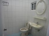 套房出租:店面附套房衛浴