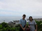 東北角踢館去~:Gary 和我帥氣地與龜山島合影!