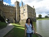 Cantebury& Leeds Castle:城堡的一部份是建在水中的