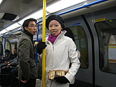 倫敦聖誕假期:佩萱地鐵上一照,子祥也入鏡了