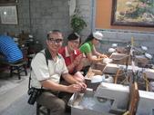 Time for Taipei:縱管處的周秘書與我一起磨玉中