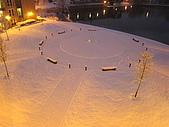 三月 冬末.初春:宿舍正中央的廣場