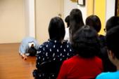 2017講座活動花絮:講座開始,波芽老師向她最敬愛的 弘聖師父上人頂禮.jpg