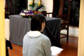 2017講座活動花絮:講座開始前靜心的波芽老師.jpg