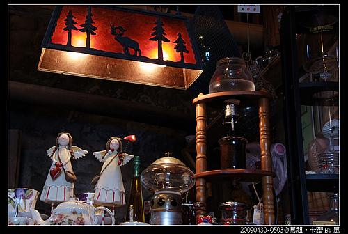 櫃檯可愛的燈飾與裝飾